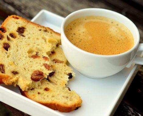 Hellys-Coffee-Panatone