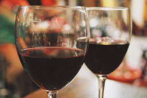 Hellys-Deli-Cafe-Red-Wine